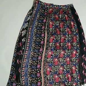 Forever 21 floral skirt size S